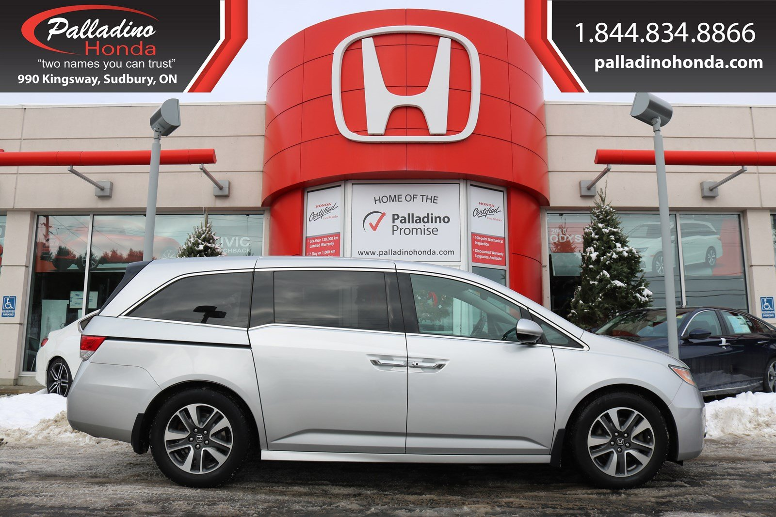 Pre-Owned 2014 Honda Odyssey Touring - NEW BRAKES - NAVIGATION & BACK UP  CAMERA