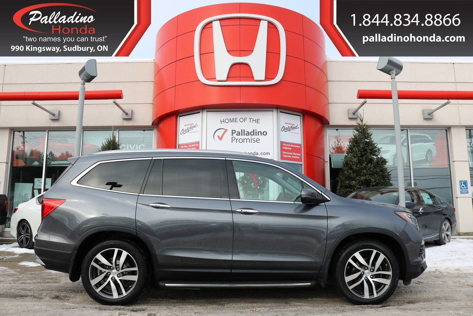Pre-Owned 2016 Honda Pilot Touring - ONE OWNER - NEW REAR BRAKES - NAVIGATION & BACK UP CAM -