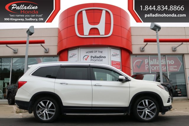 Pre-Owned 2017 Honda Pilot Touring-ALL WHEEL DRIVE,THIRD ROW SEATS,REAR ENTERTAINMENT SYSTEM